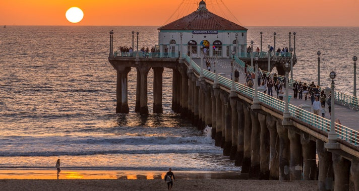 Manhattan Beach Pier | Photo courtesy of Eric Demarcq, Flickr